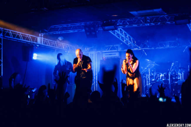 Amaranthe performing at Зал Ожидания, Saint-Petersburg (30.09.2016)