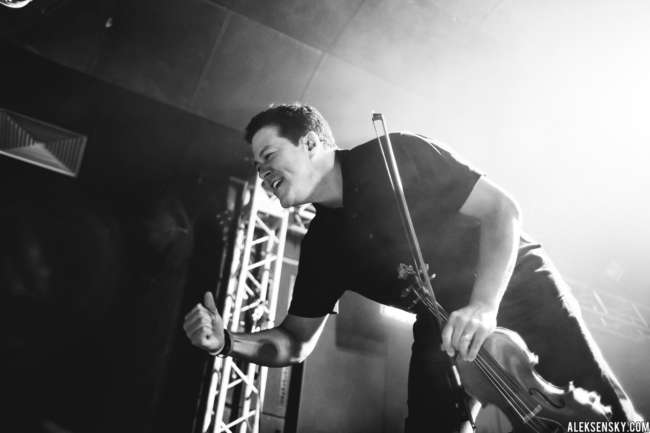 Yellowcard performing at Зал Ожидания, Saint-Petersburg (4.12.2016)